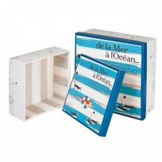 Boîte carrée en carton décor de la mer à l'océan